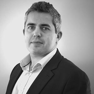 Daniel Siberstein, an associate focusing on resolving complex disputes